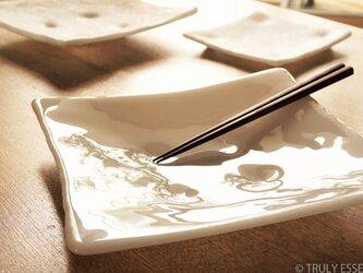 純白ガラスの大皿 -「 KAZEの肌 」● 光沢 ・26cmの画像