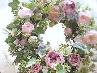 ピンクのバラのナチュラルリースの画像