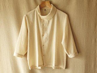 サイドウェイカラーの麻混綿シャツの画像