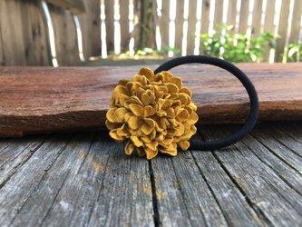 革花のヘアゴム MSPサイズ  カラシの画像