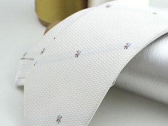 【受注制作】小さなミツバチ/オリジナル・ハンドメイドネクタイ・ホワイトの画像