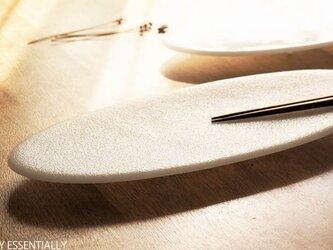 純白ガラスの器 -「 KAZEの肌 」● 絹目調 (37×15cm)の画像