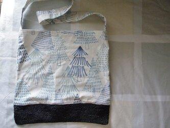 北欧風ツリー柄 布&かごバッグ ななめ掛け ブラックの画像