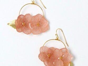 紫陽花とリーフパーツのフープピアス*ヴィンテージピンク*の画像