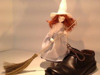 フェアリー・メイドの妹の画像