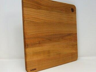 木製 カッティングボード まな板 【 国産ヤマザクラ無垢】 スクエアタイプ Mサイズの画像