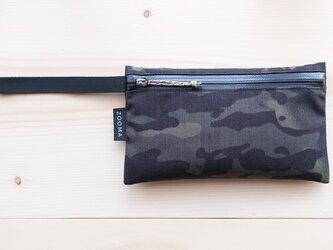 Multi pouch - black camの画像