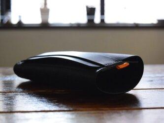 価格変更 [受注生産品] 栃木レザー ロールメガネケース(BLACK) MNC-01の画像