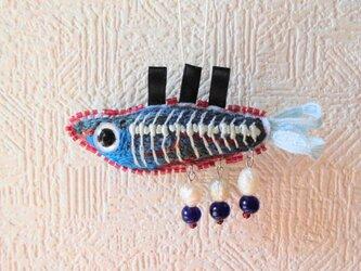 刺繍「無意識水域魚類 2」の画像