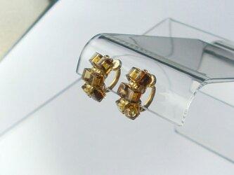 スクエアガラスビーズのアンティークイヤリングの画像