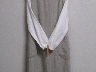 リネンのジャンパースカート 素朴生成りの画像