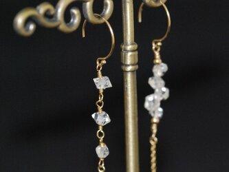 【14kgf】NY産ハーキマーダイヤモンド 流れ星ピアスの画像
