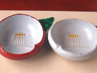 紅白椿豆皿の画像