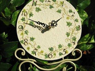 アイビーの置き時計の画像