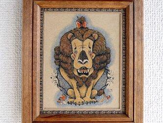 おめかしライオンの肖像の画像