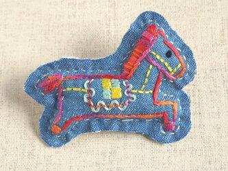 手刺繍干支ブローチ「午」[受注制作]の画像