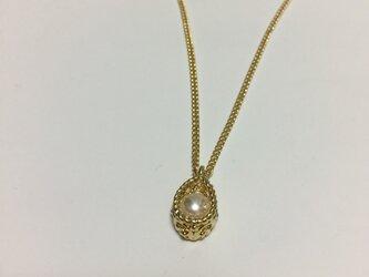 ゴールドのネックレスの画像