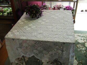 白色のテーブルクロスの画像
