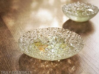 ガラスのアクセサリートレイ -「 灯りのタネ 」 ● 緑・12cmの画像