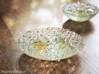 ガラスのアクセサリートレイ -「 KAKERAの光 」 ● みどり・12cmの画像