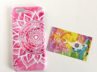 【春・夏】モロッコ風手描き曼荼羅風模様のピンクのエスニックスマホケースの画像