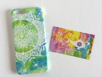 【春・夏】モロッコ風手描き曼荼羅模様のグリーンとブルーのエスニックスマホケースの画像