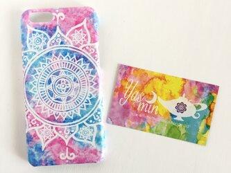 【春・夏】モロッコ風手描き曼荼羅模様 ピンクとブルーのエスニックスマホケースの画像