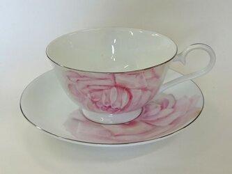 リアルな薔薇のカップ&ソーサー2(手描き)の画像