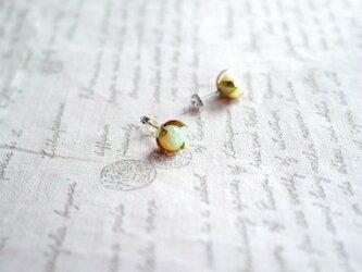 (京都オパール使用)花のつぼみのピアスの画像