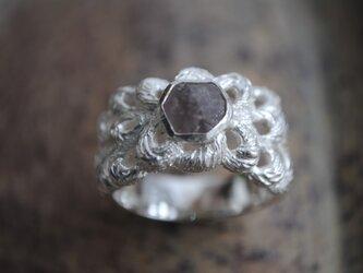 「B様オーダー品」淡いラベンダー色の石ころリングの画像