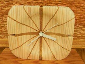 木の時計の画像