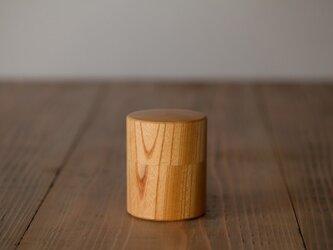 ろくろ挽きの欅の木の茶筒(小)の画像