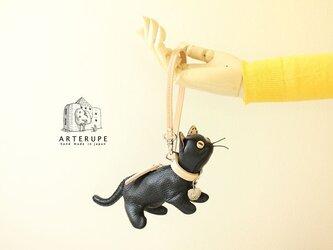 ブラック 猫のキーポーチ Gattina Baffi(ガッティーナバッフィ)イタリア製シュリンクレザー使用の画像