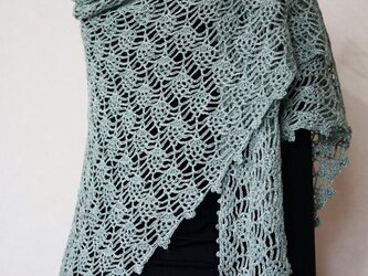 リネン糸のパイナップル編み三角ストール(アンティークグリーン)の画像