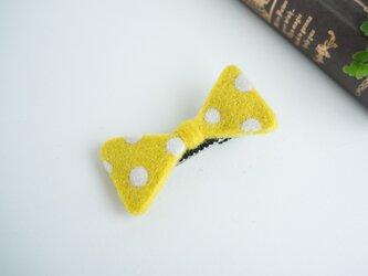 羊毛リボンのヘアクリップ〈マスタードドット〉の画像
