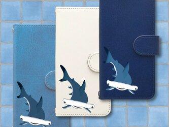 iPhone手帳型スマホケース (シュモクザメ)の画像