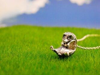 ぶらさがり ファランクス ハリネズミのペンダント 【vita】の画像