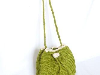 若草色のジュート巾着ショルダーバッグの画像