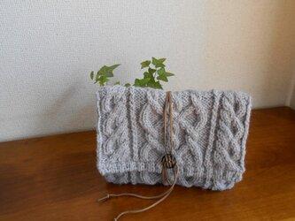 縄編みのクラッチバッグ(小)の画像