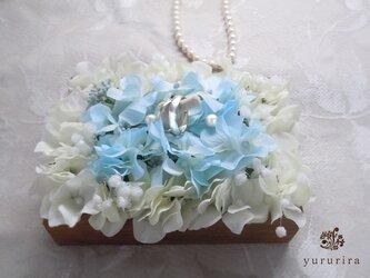 珊瑚とハイドレンジアのリングピローの画像