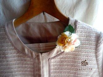 [Sold out]小さなバラの爽やかコサージュ02の画像
