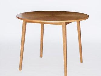 ラウンドテーブル 丸机の画像