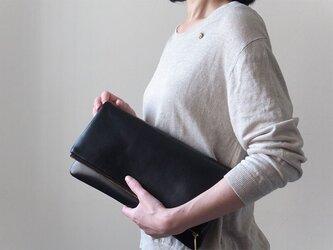 大人のシックな装いに - Clutch Bag - 黒 - :カレン クオイルの画像
