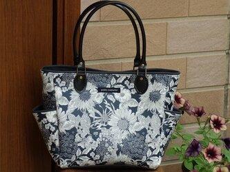 <参考作品>サイドポケットバッグS(リバティ帆布ラミネート:スウィム・ダンクレア紺)の画像