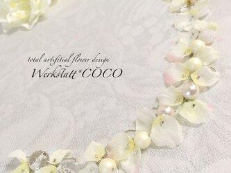 花びらピアス&イヤリング*whiteの画像