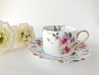 水彩画風 お花柄のカップ&ソーサー(ピンク)の画像