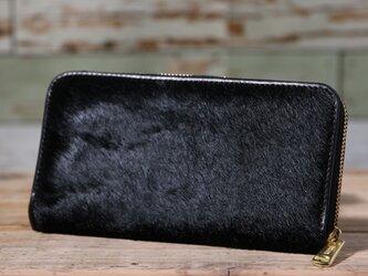 イタリア産 毛付き牛革 黒 長財布 ラウンドファスナー 牛革 皮 ハンドメイド 手作りの画像