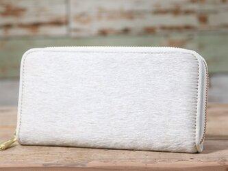 イタリア産 毛付き牛革 白 長財布 ラウンドファスナー 牛革 皮 ハンドメイド 手作りの画像