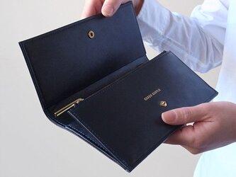 スムースレザーで作ったシックな長財布 - Long Wallet - ネイビー - :カレン クオイルの画像