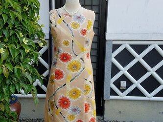 着物リメイク 手作り かわいらしい花柄 銘仙 ワンピースの画像